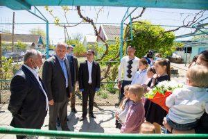 Igor Dodon în timpul vizitei sale de lucru în Cimișlia. Nerespectarea totală a standardelor stabilite de Comisie pentru situații de urgență
